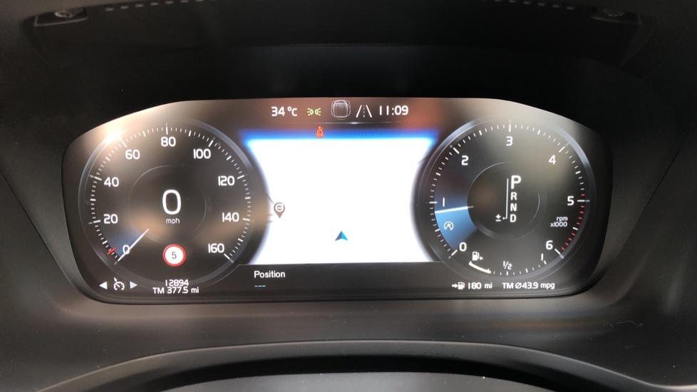 Volvo V60 D4 Cross Country Plus AWD Auto, Nav, Heated Seats, Electric Drivers Seat, F & R Sensors, DAB image 11