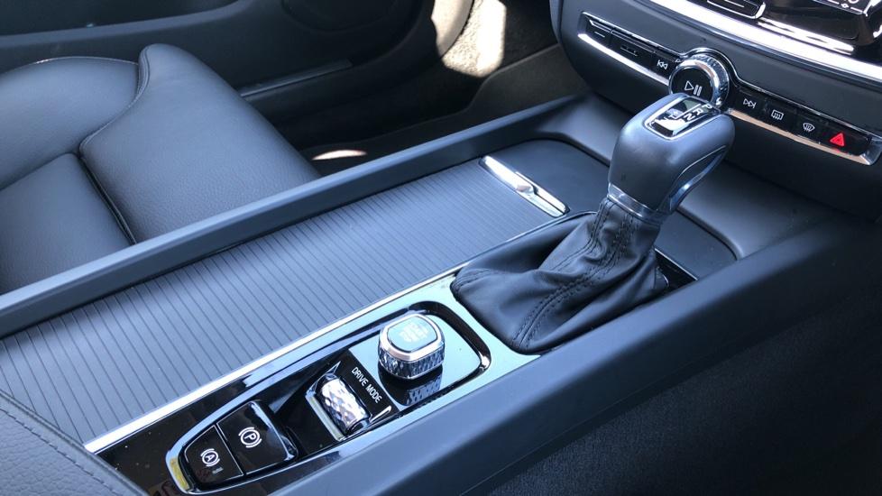 Volvo V60 D4 Cross Country Plus AWD Auto, Nav, Heated Seats, Electric Drivers Seat, F & R Sensors, DAB image 26