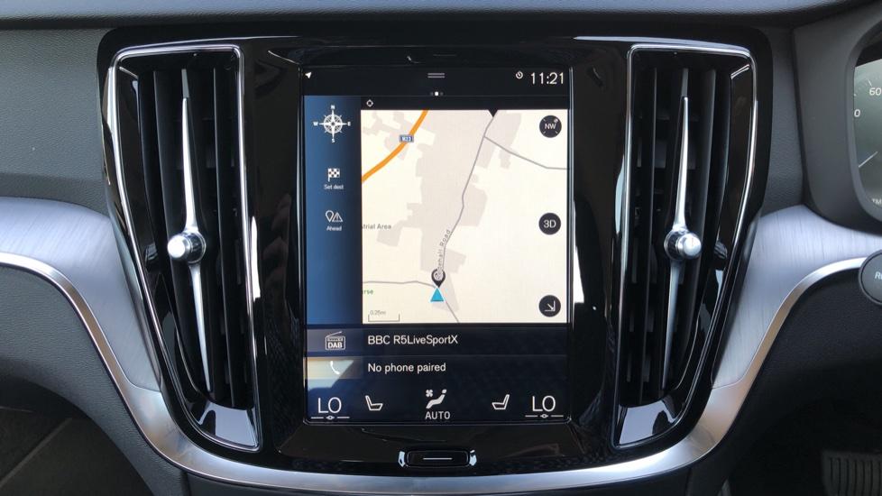 Volvo V60 D4 Cross Country Plus AWD Auto, Nav, Heated Seats, Electric Drivers Seat, F & R Sensors, DAB image 5