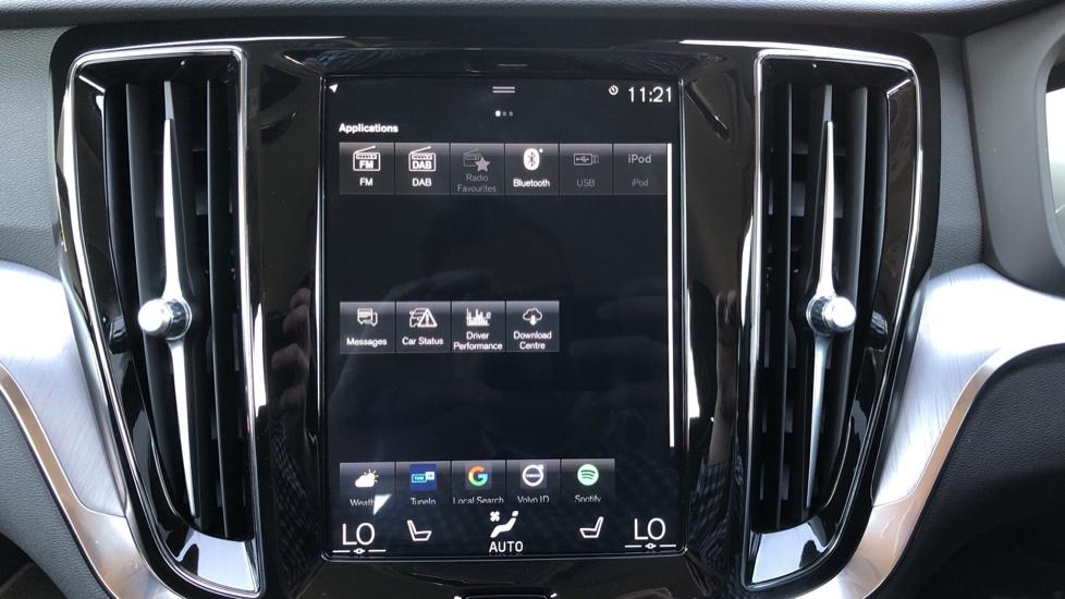 Volvo V60 D4 Cross Country Plus AWD Auto, Nav, Heated Seats, Electric Drivers Seat, F & R Sensors, DAB image 18