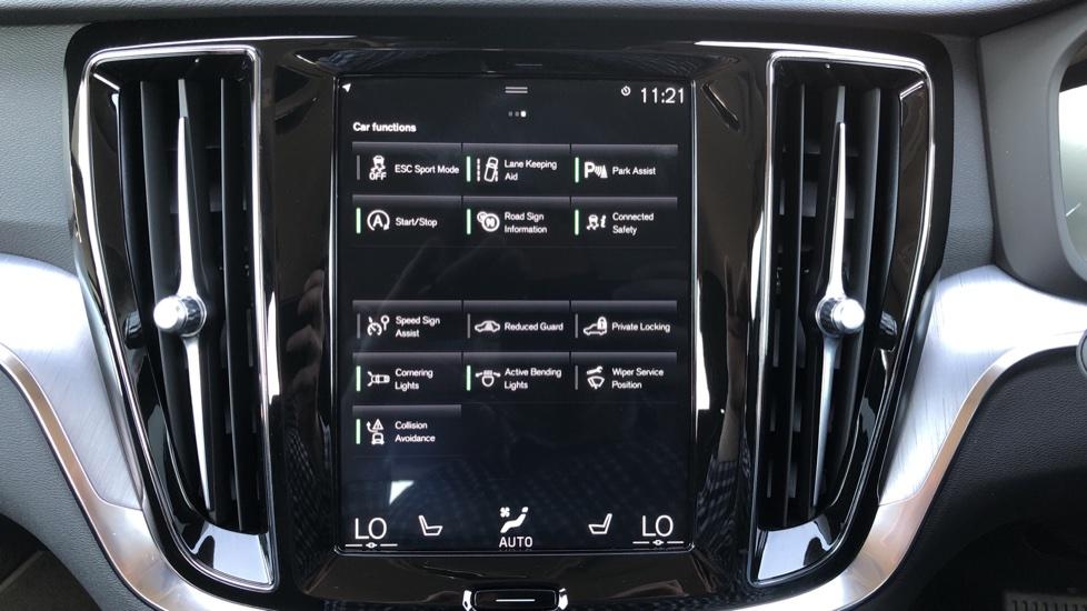 Volvo V60 D4 Cross Country Plus AWD Auto, Nav, Heated Seats, Electric Drivers Seat, F & R Sensors, DAB image 20