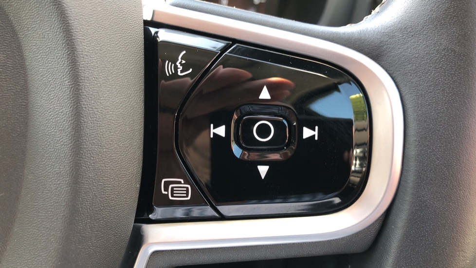 Volvo V60 D4 Cross Country Plus AWD Auto, Nav, Heated Seats, Electric Drivers Seat, F & R Sensors, DAB image 15
