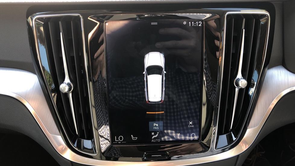 Volvo V60 D4 Cross Country Plus AWD Auto, Nav, Heated Seats, Electric Drivers Seat, F & R Sensors, DAB image 7