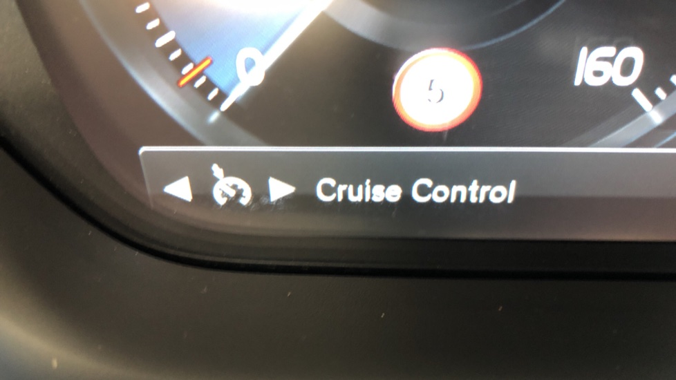 Volvo V60 D4 Cross Country Plus AWD Auto, Nav, Heated Seats, Electric Drivers Seat, F & R Sensors, DAB image 12
