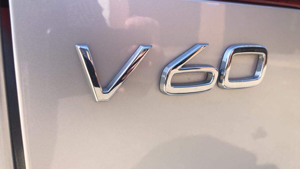 Volvo V60 D4 Cross Country Plus AWD Auto, Nav, Heated Seats, Electric Drivers Seat, F & R Sensors, DAB image 43