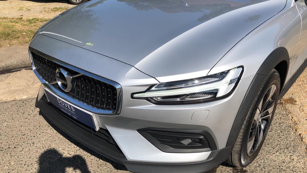 Volvo V60 D4 Cross Country Plus AWD Auto, Nav, Heated Seats, Electric Drivers Seat, F & R Sensors, DAB image 29