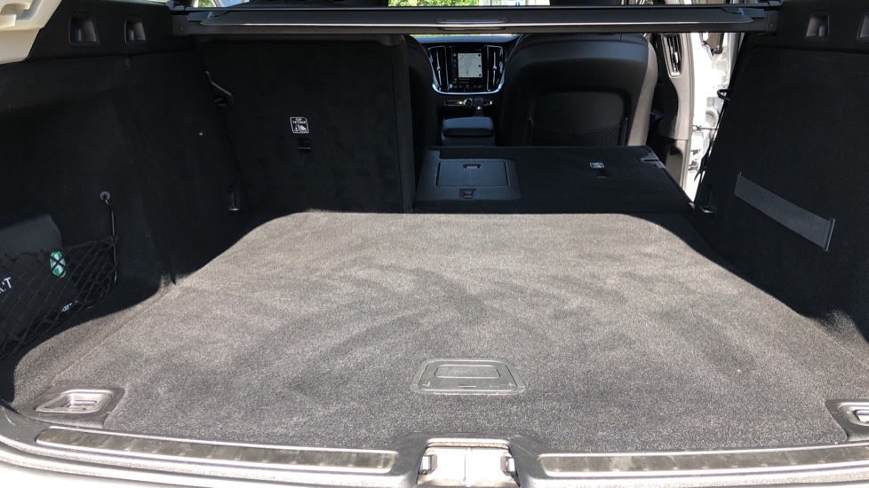 Volvo V60 D4 Cross Country Plus AWD Auto, Nav, Heated Seats, Electric Drivers Seat, F & R Sensors, DAB image 36