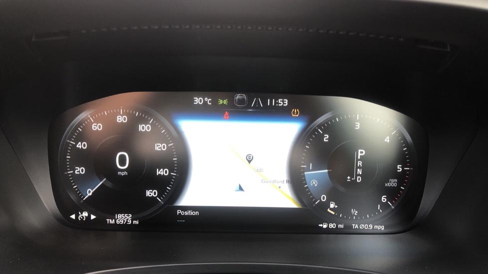 Volvo S90 D4 Momentum Nav Auto with Rear Cam, Adaptive Cruise Control, Lane Keeping Aid & Keyless Drive image 10
