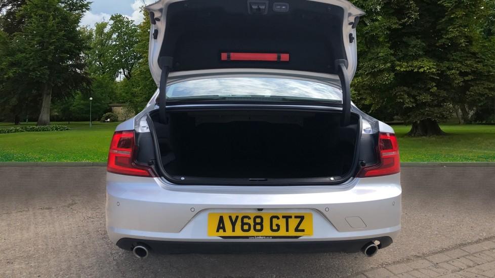 Volvo S90 D4 Momentum Nav Auto with Rear Cam, Adaptive Cruise Control, Lane Keeping Aid & Keyless Drive image 4