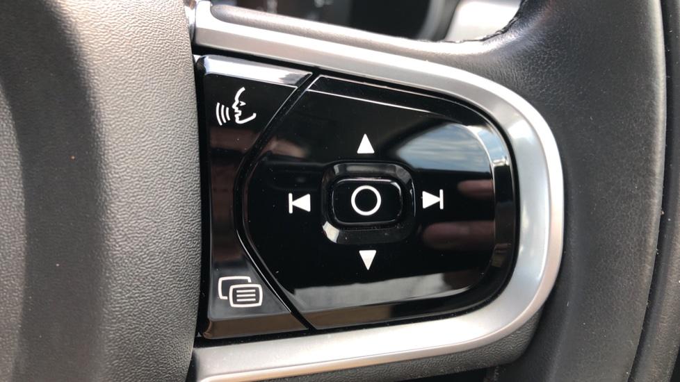 Volvo S90 D4 Momentum Nav Auto with Rear Cam, Adaptive Cruise Control, Lane Keeping Aid & Keyless Drive image 15