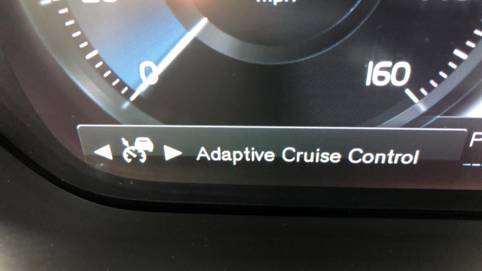 Volvo S90 D4 Momentum Nav Auto with Rear Cam, Adaptive Cruise Control, Lane Keeping Aid & Keyless Drive image 12