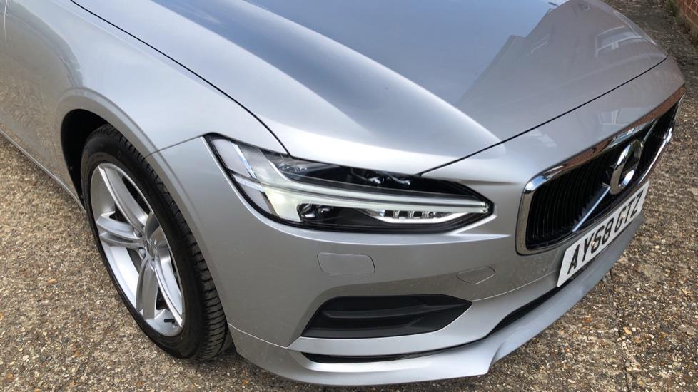 Volvo S90 D4 Momentum Nav Auto with Rear Cam, Adaptive Cruise Control, Lane Keeping Aid & Keyless Drive image 24