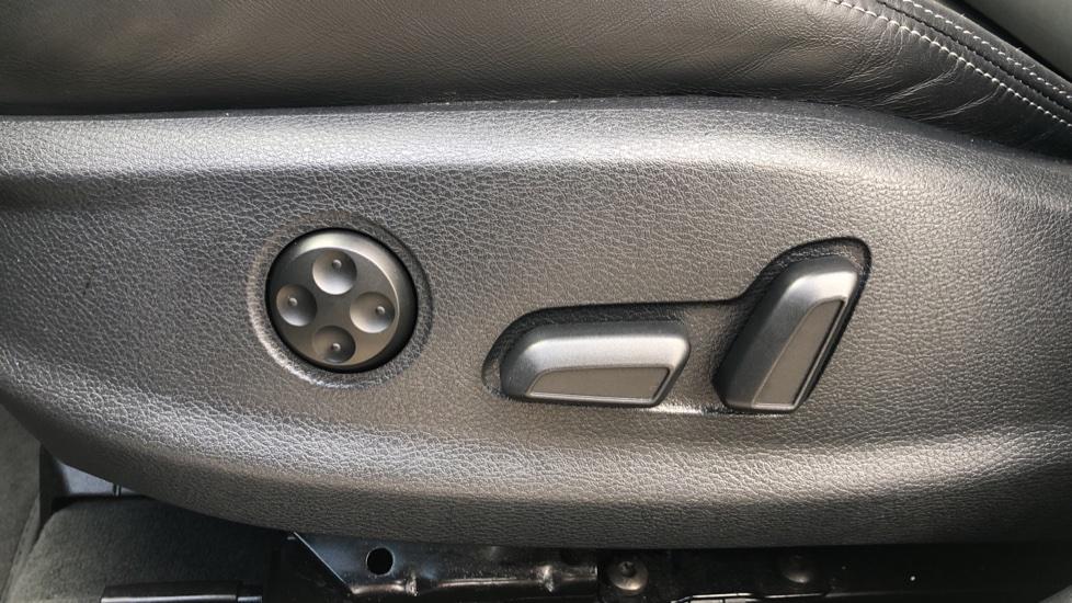 Audi RS3 2.5 TFSI RS 3 Quattro S 7 Speed Auto, 362bhp, Nav, Bang & Olufsen, Rear Sensors, Heated Seats image 17