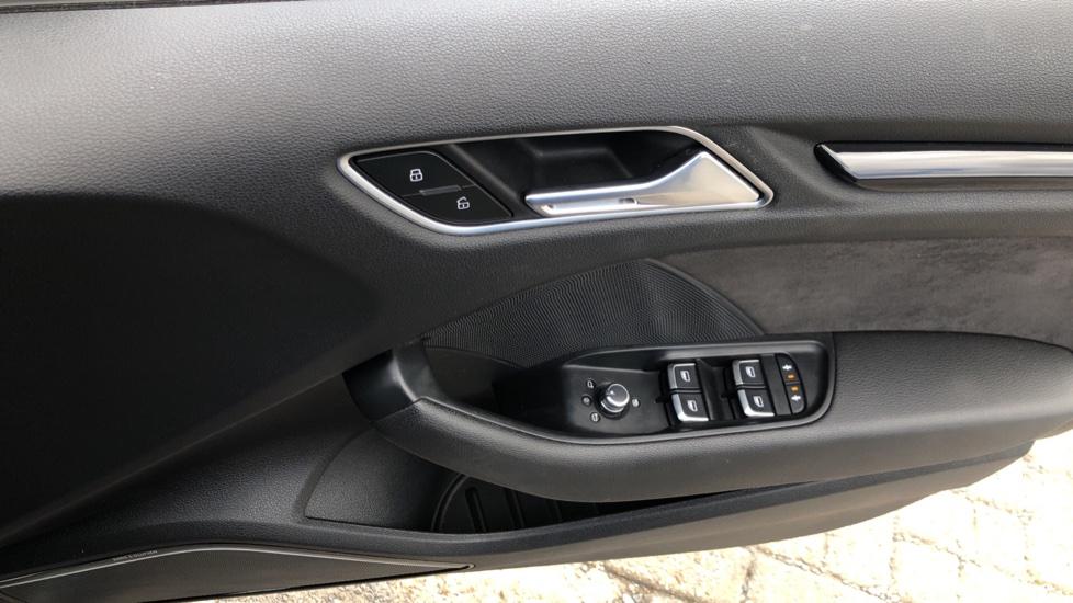 Audi RS3 2.5 TFSI RS 3 Quattro S 7 Speed Auto, 362bhp, Nav, Bang & Olufsen, Rear Sensors, Heated Seats image 38