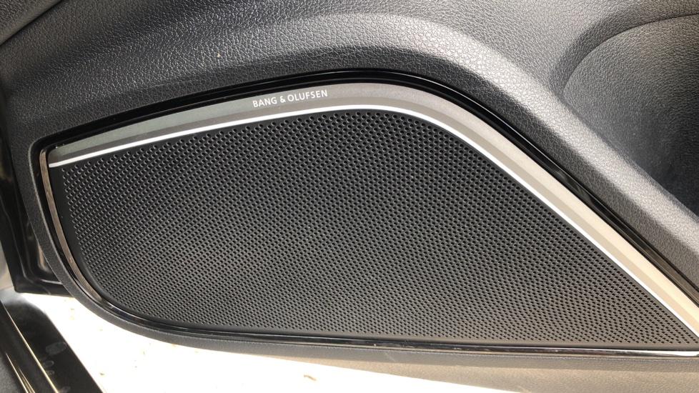 Audi RS3 2.5 TFSI RS 3 Quattro S 7 Speed Auto, 362bhp, Nav, Bang & Olufsen, Rear Sensors, Heated Seats image 6