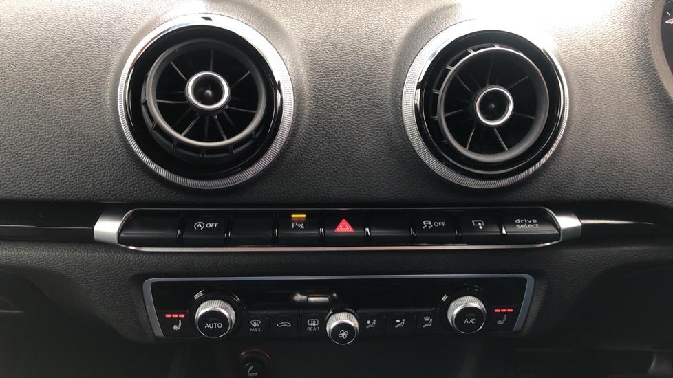 Audi RS3 2.5 TFSI RS 3 Quattro S 7 Speed Auto, 362bhp, Nav, Bang & Olufsen, Rear Sensors, Heated Seats image 28