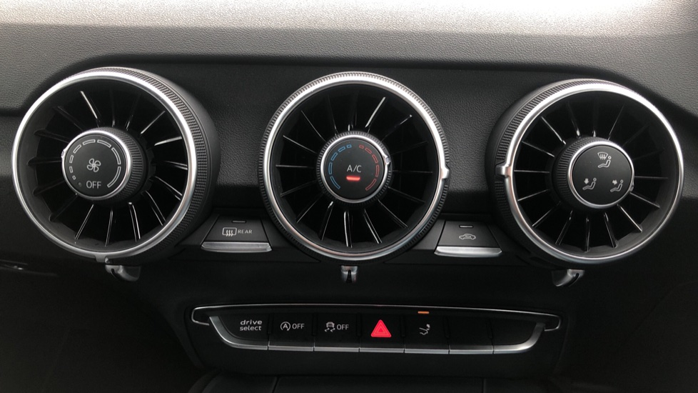Audi TT Coupe 40 TFSI S Line 2dr Auto, Heated Seats, Virtual Drivers Cockpit, Nav, Wireless Phone Charging image 25