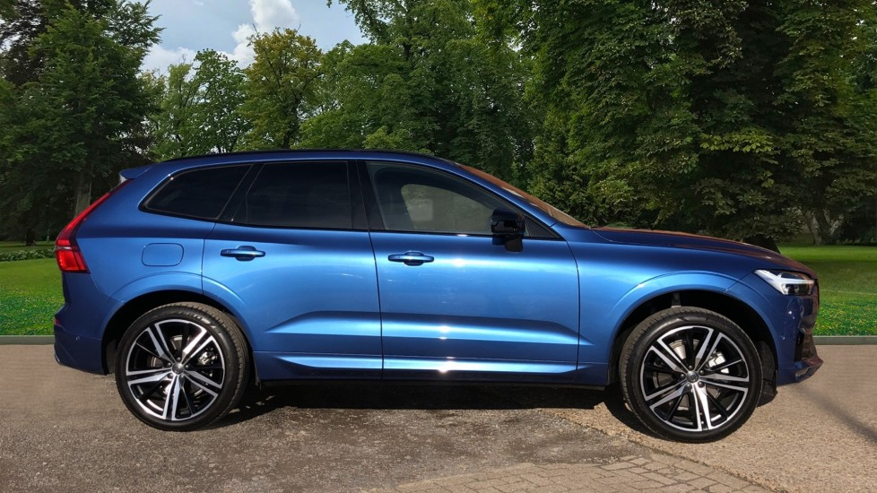 Volvo XC60 B5P Mild Hybrid R Design Pro Auto, Lounge Pack, Sunroof, 360 Camera, Wireless Phone Charging image 4