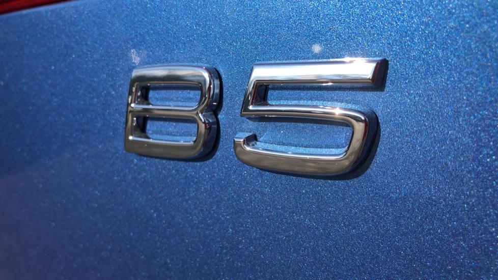 Volvo XC60 B5P Mild Hybrid R Design Pro Auto, Lounge Pack, Sunroof, 360 Camera, Wireless Phone Charging image 18