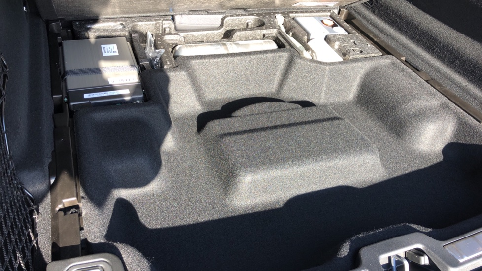 Volvo XC60 B5P Mild Hybrid R Design Pro Auto, Lounge Pack, Sunroof, 360 Camera, Wireless Phone Charging image 24