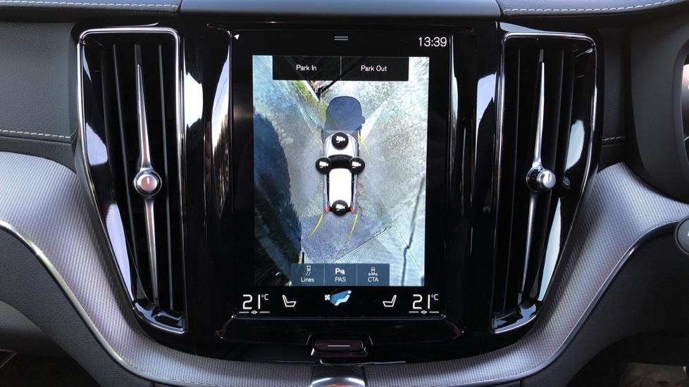 Volvo XC60 B5P Mild Hybrid R Design Pro Auto, Lounge Pack, Sunroof, 360 Camera, Wireless Phone Charging image 32