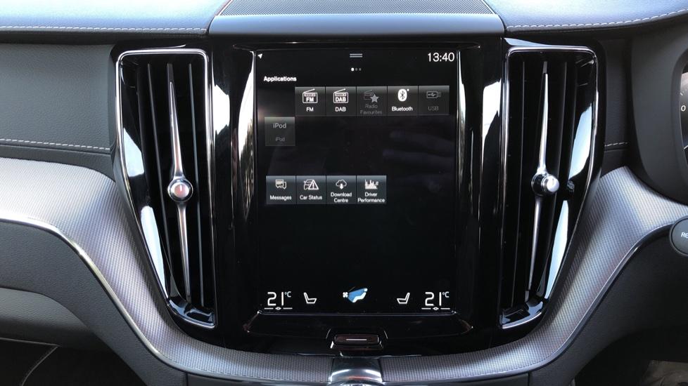 Volvo XC60 B5P Mild Hybrid R Design Pro Auto, Lounge Pack, Sunroof, 360 Camera, Wireless Phone Charging image 33