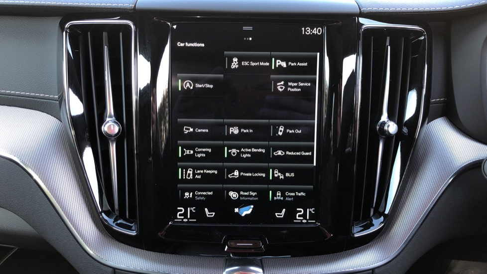 Volvo XC60 B5P Mild Hybrid R Design Pro Auto, Lounge Pack, Sunroof, 360 Camera, Wireless Phone Charging image 34