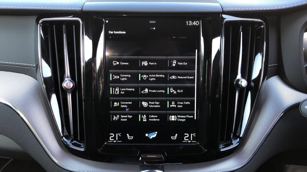 Volvo XC60 B5P Mild Hybrid R Design Pro Auto, Lounge Pack, Sunroof, 360 Camera, Wireless Phone Charging image 35