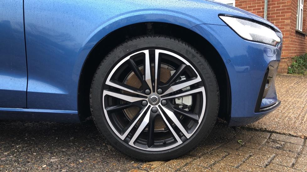 Volvo S60 T5 R Design Plus Auto, Xenium, Winter & Convenience Packs, Adaptive Cruise, Sunroof, HK Audio image 27