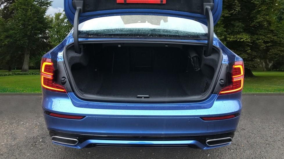 Volvo S60 T5 R Design Plus Auto, Xenium, Winter & Convenience Packs, Adaptive Cruise, Sunroof, HK Audio image 5