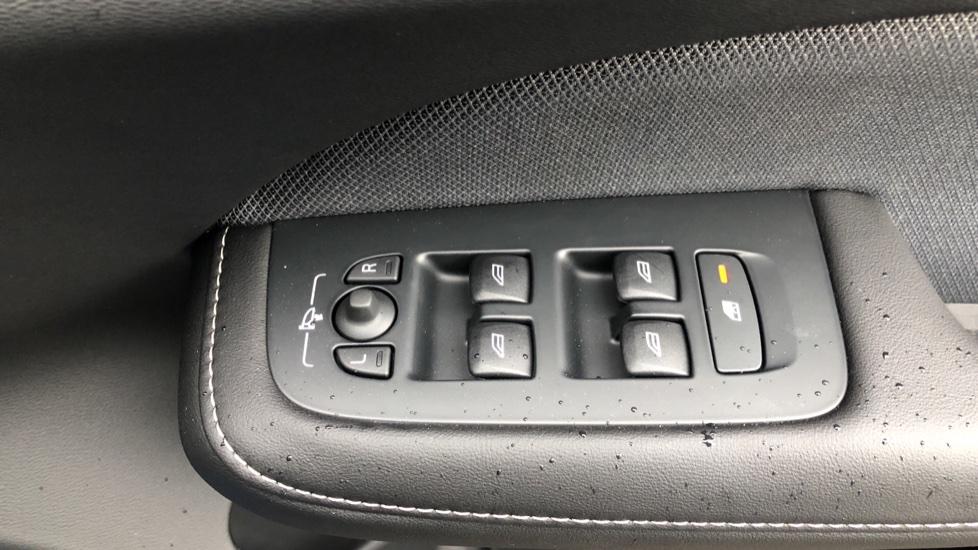Volvo S60 T5 R Design Plus Auto, Xenium, Winter & Convenience Packs, Adaptive Cruise, Sunroof, HK Audio image 37