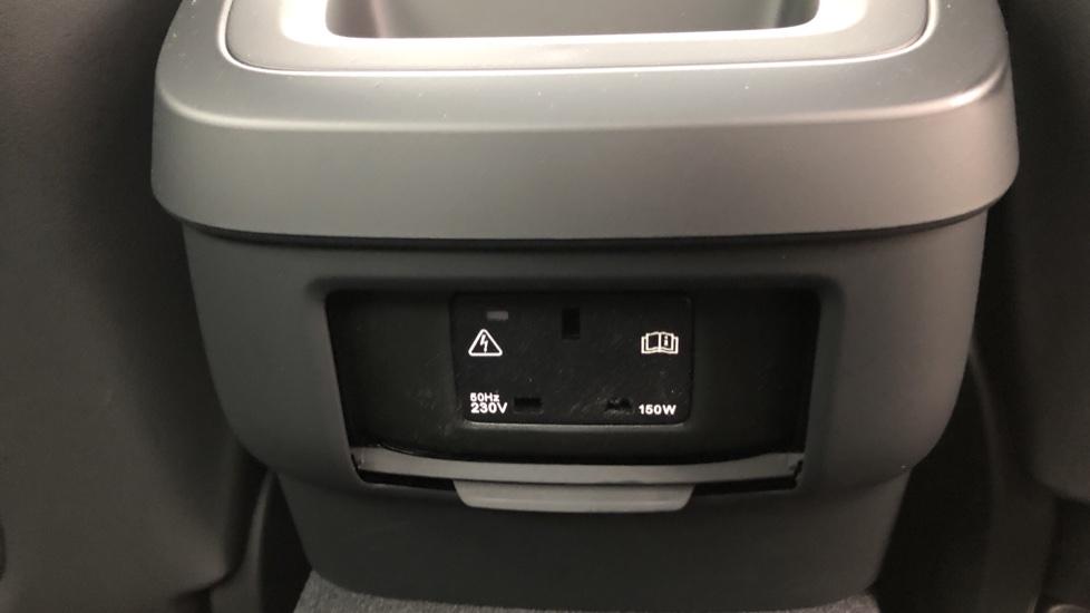 Volvo S60 T5 R Design Plus Auto, Xenium, Winter & Convenience Packs, Adaptive Cruise, Sunroof, HK Audio image 9