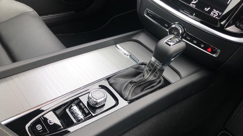 Volvo S60 T5 R Design Plus Auto, Xenium, Winter & Convenience Packs, Adaptive Cruise, Sunroof, HK Audio image 32