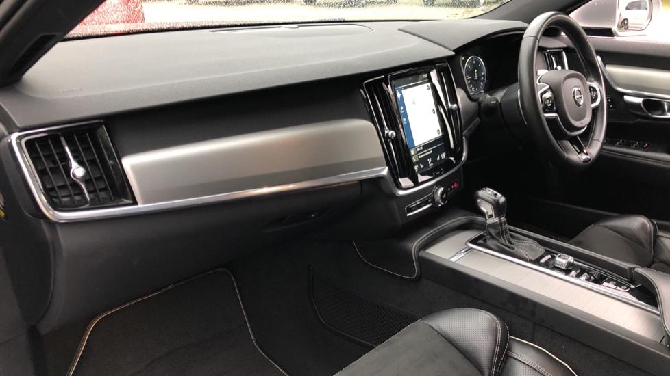 Volvo V90 D5 PowerPulse R Design AWD Auto, Nav, Adaptive Cruise, Front & Rear Sensors, DAB Radio image 8