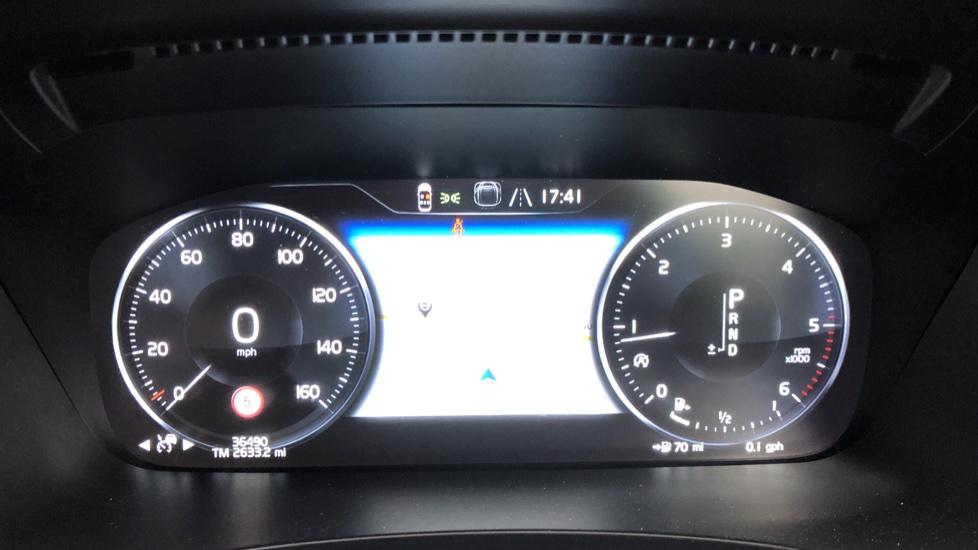 Volvo V90 D5 PowerPulse R Design AWD Auto, Nav, Adaptive Cruise, Front & Rear Sensors, DAB Radio image 9