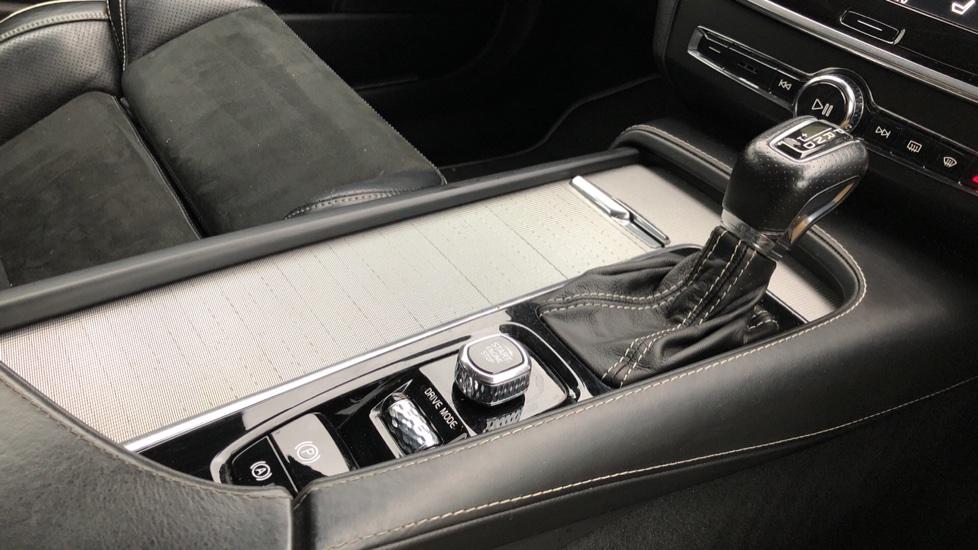 Volvo V90 D5 PowerPulse R Design AWD Auto, Nav, Adaptive Cruise, Front & Rear Sensors, DAB Radio image 20