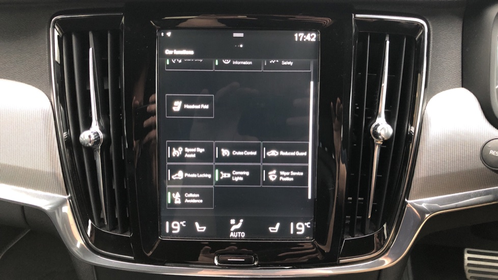 Volvo V90 D5 PowerPulse R Design AWD Auto, Nav, Adaptive Cruise, Front & Rear Sensors, DAB Radio image 24