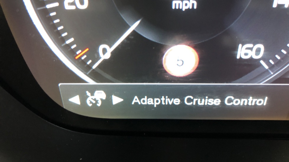 Volvo V90 D5 PowerPulse R Design AWD Auto, Nav, Adaptive Cruise, Front & Rear Sensors, DAB Radio image 11
