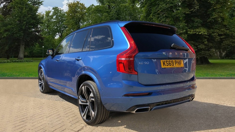 Volvo XC90 T8 Hybrid R Design Pro AWD Auto, 360 Camera, Panoramic Roof, F & R Park Sensors, Keyless Drive image 3
