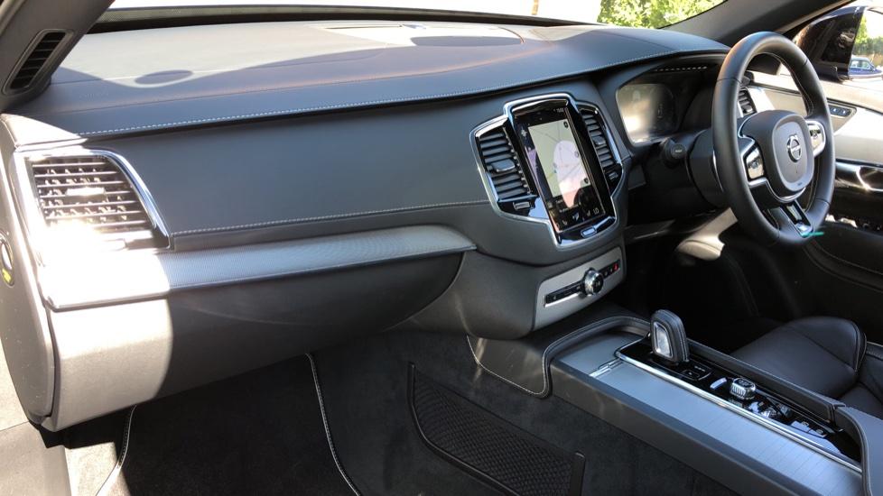 Volvo XC90 T8 Hybrid R Design Pro AWD Auto, 360 Camera, Panoramic Roof, F & R Park Sensors, Keyless Drive image 10