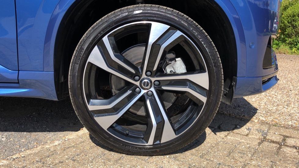 Volvo XC90 T8 Hybrid R Design Pro AWD Auto, 360 Camera, Panoramic Roof, F & R Park Sensors, Keyless Drive image 28
