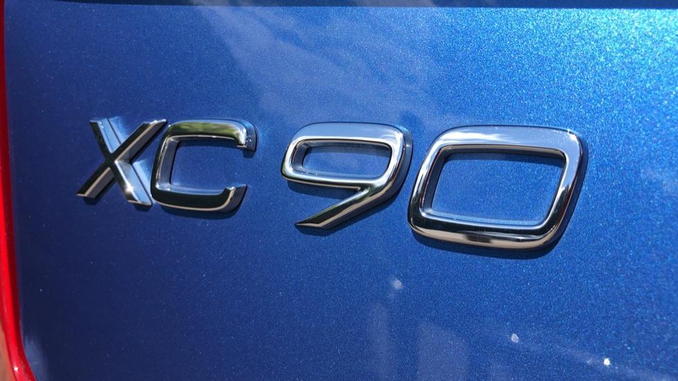 Volvo XC90 T8 Hybrid R Design Pro AWD Auto, 360 Camera, Panoramic Roof, F & R Park Sensors, Keyless Drive image 40