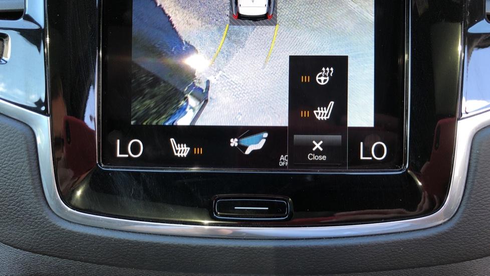 Volvo XC90 T8 Hybrid R Design Pro AWD Auto, 360 Camera, Panoramic Roof, F & R Park Sensors, Keyless Drive image 18