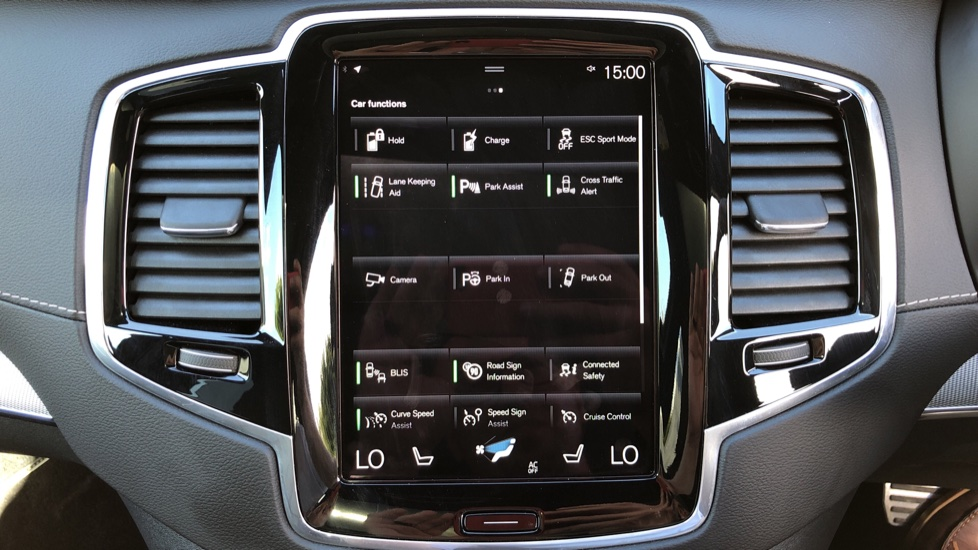 Volvo XC90 T8 Hybrid R Design Pro AWD Auto, 360 Camera, Panoramic Roof, F & R Park Sensors, Keyless Drive image 25