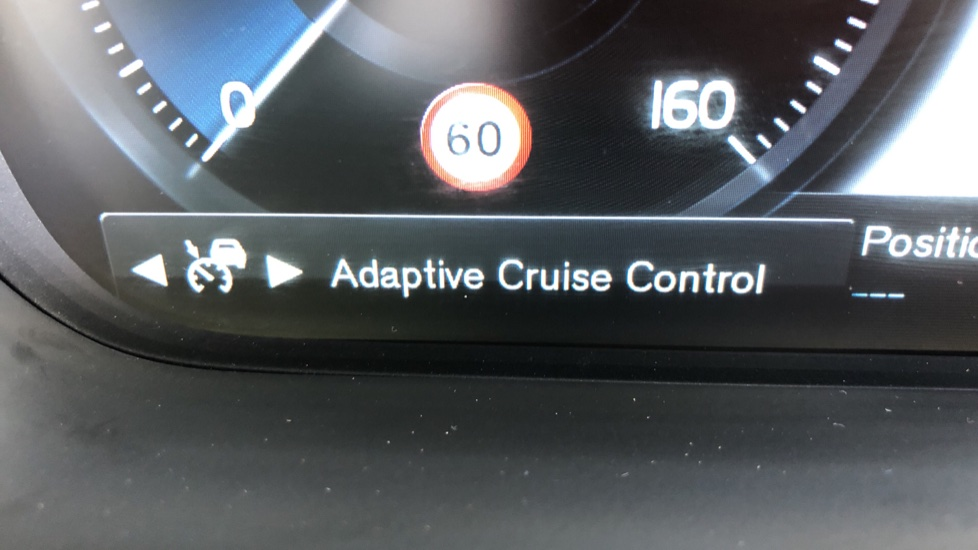 Volvo XC90 T8 Hybrid R Design Pro AWD Auto, 360 Camera, Panoramic Roof, F & R Park Sensors, Keyless Drive image 12