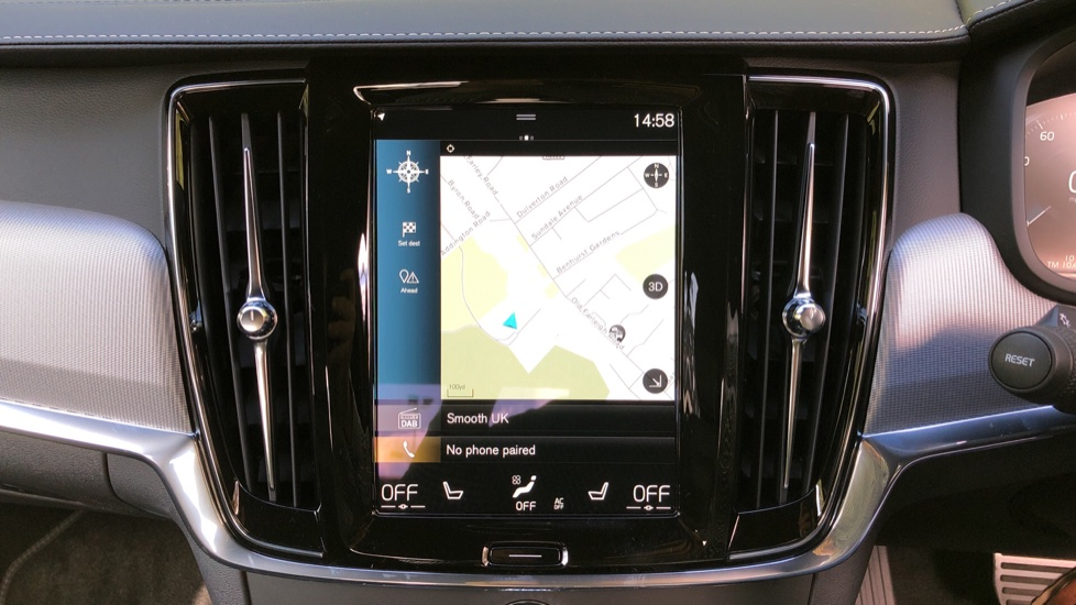 Volvo S90 T8 Recharge PHEV R Design AWD Auto, Climate Pack, Nav, Heated Screen, Rear Camera, Keyless Drive image 5