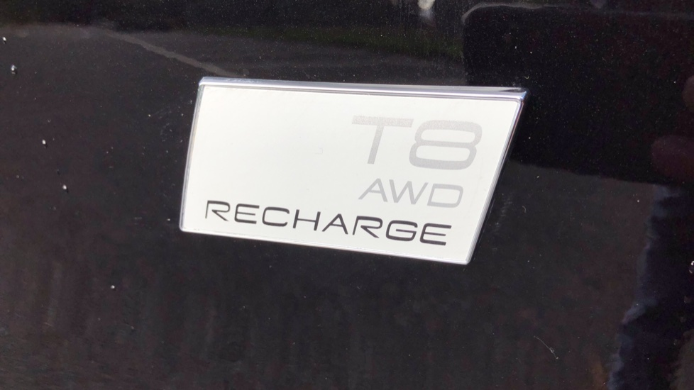 Volvo S90 T8 Recharge PHEV R Design AWD Auto, Climate Pack, Nav, Heated Screen, Rear Camera, Keyless Drive image 34