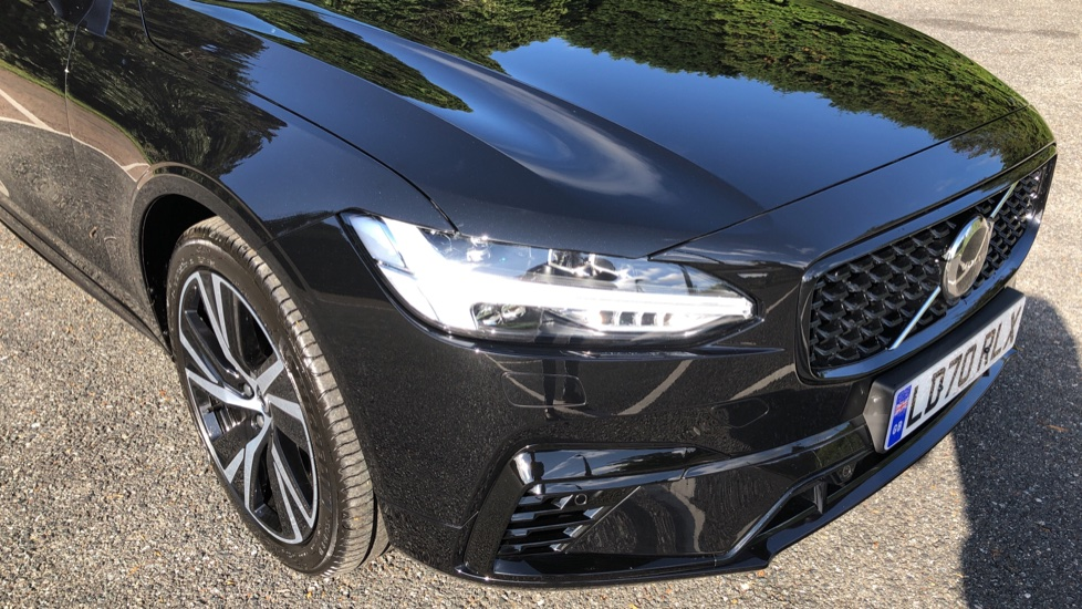 Volvo S90 T8 Recharge PHEV R Design AWD Auto, Climate Pack, Nav, Heated Screen, Rear Camera, Keyless Drive image 23
