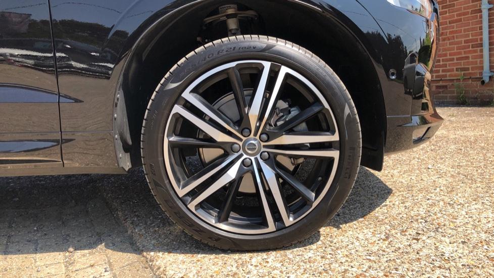 Volvo XC60 B4D Mild Hybrid R Design Pro AWD Auto, Sunroof, 360 Camera, Memory Seats, BLIS, Heated Screen image 32