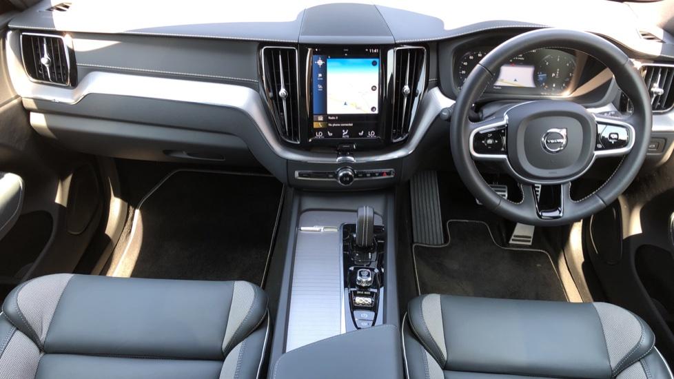 Volvo XC60 B4D Mild Hybrid R Design Pro AWD Auto, Sunroof, 360 Camera, Memory Seats, BLIS, Heated Screen image 10